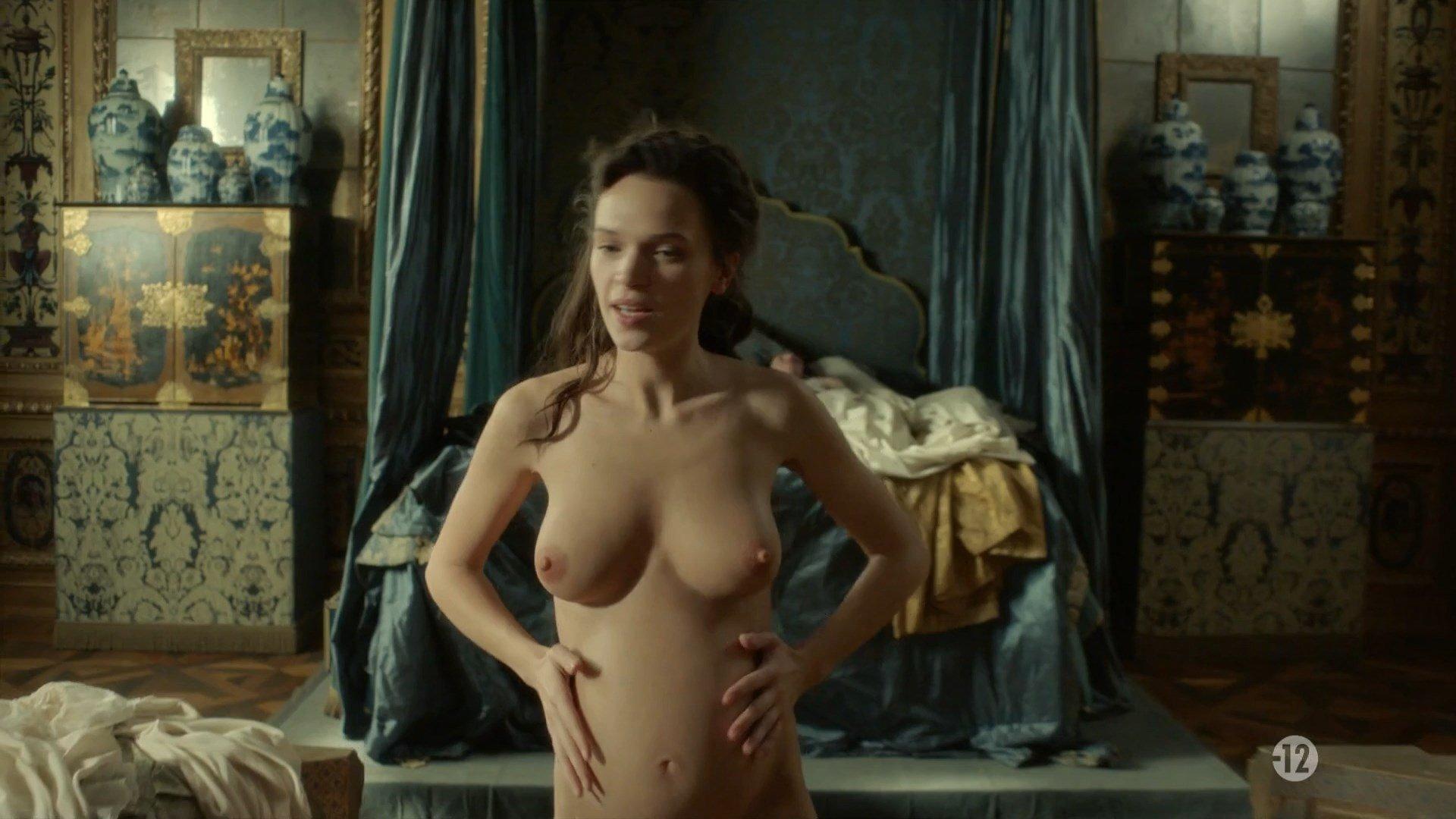versailles nude