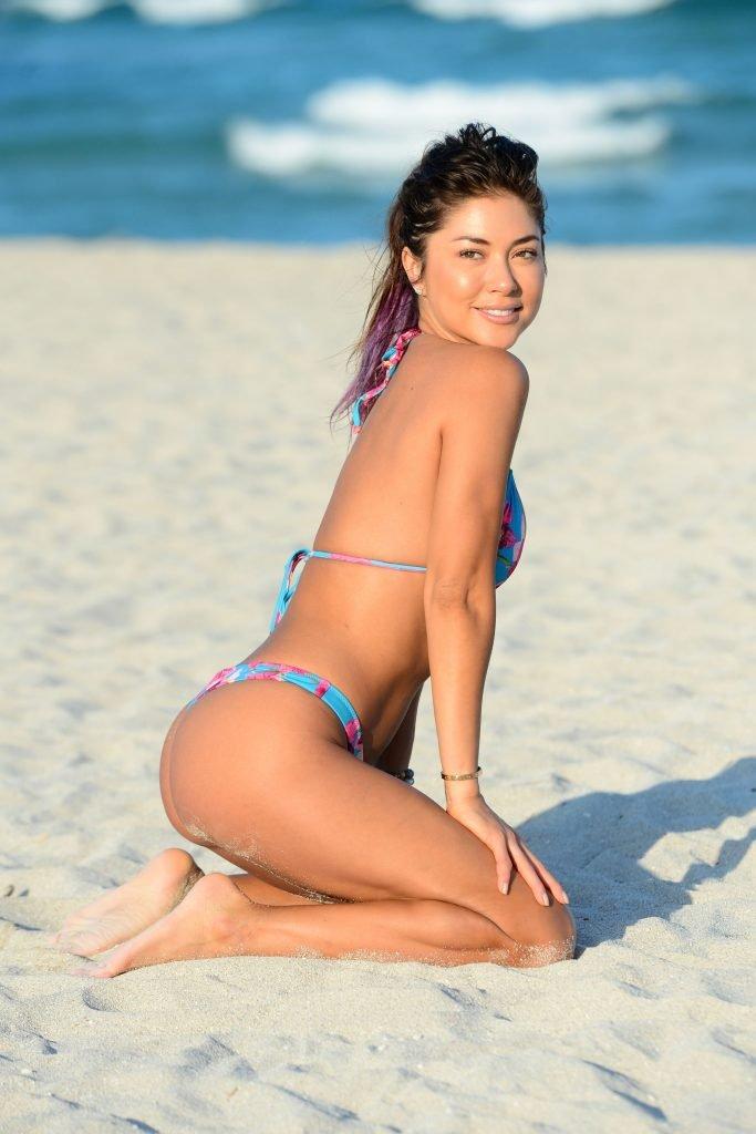 Arianny Celeste Sexy (27 Photos)