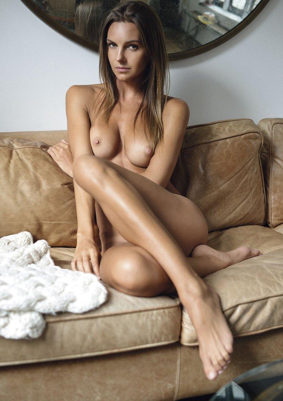 Autumn nude