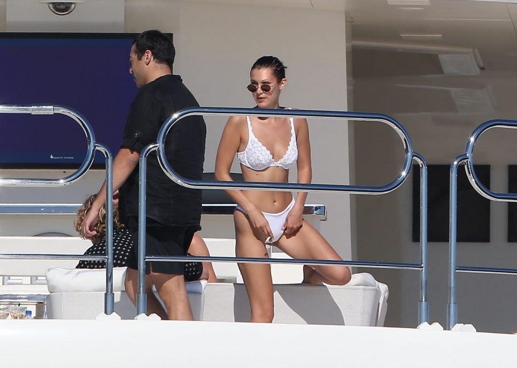 Bella Hadid Sexy (27 Photos)