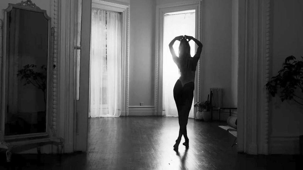 Candice Swanepoel Sexy (36 Pics + Video)