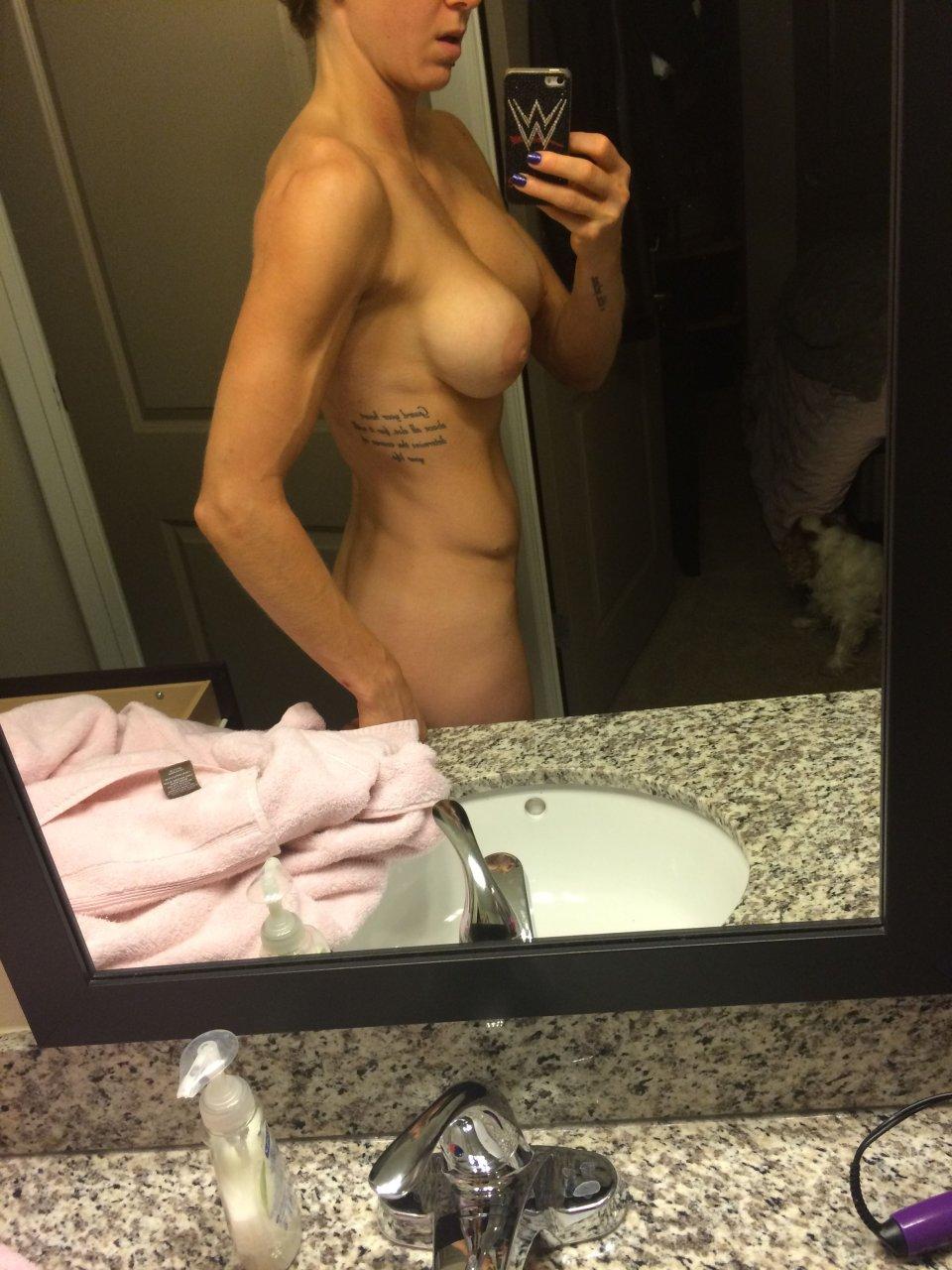 charlotte flair nude pic