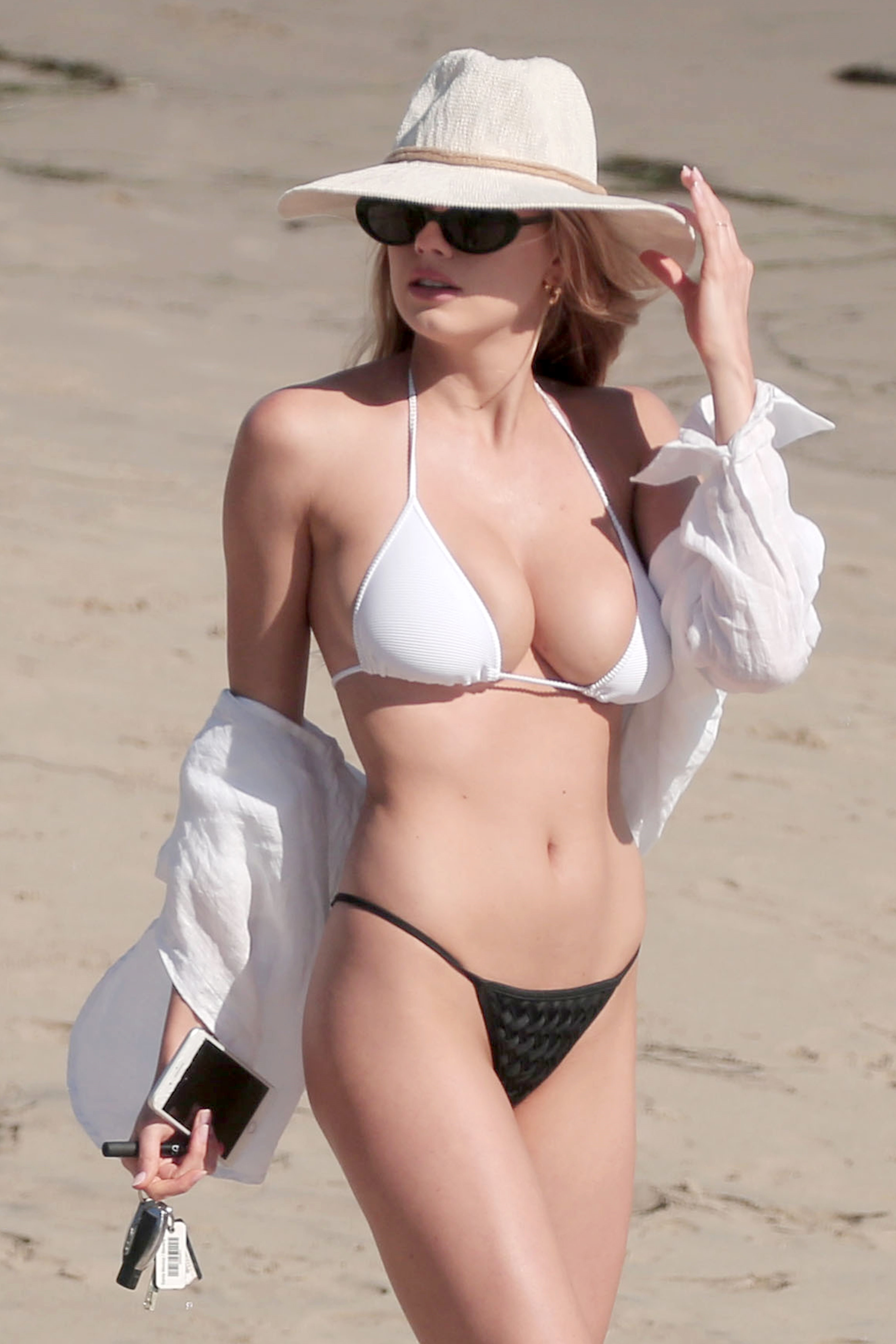 charlotte mckinney tits
