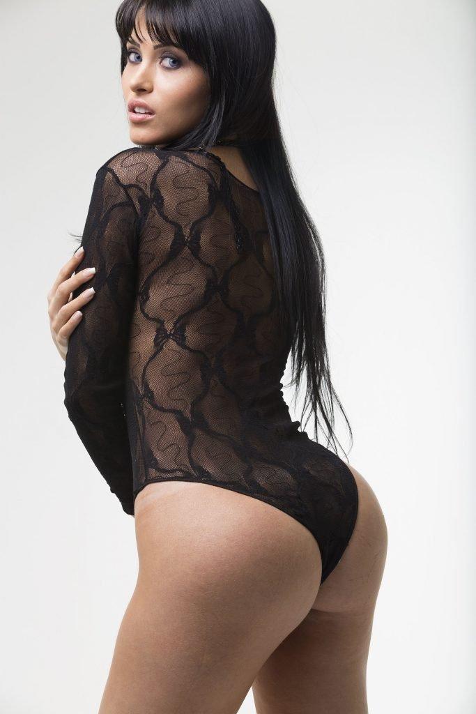 Claudia Alende See Through & Sexy (5 Photos)