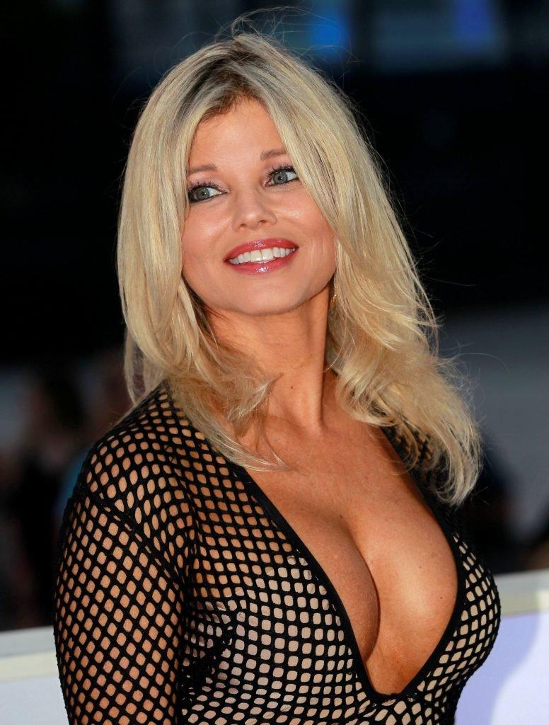 Donna D'Errico Sexy (31 Photos)