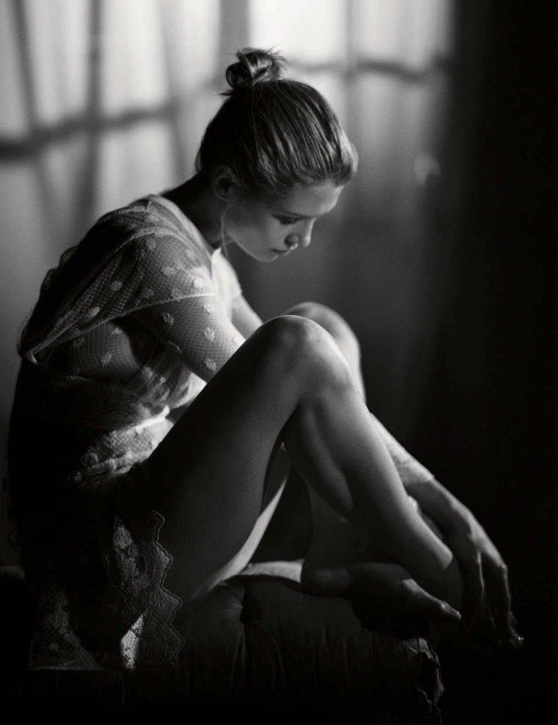 Hana Jirickova Sexy & Topless (17 Photos)