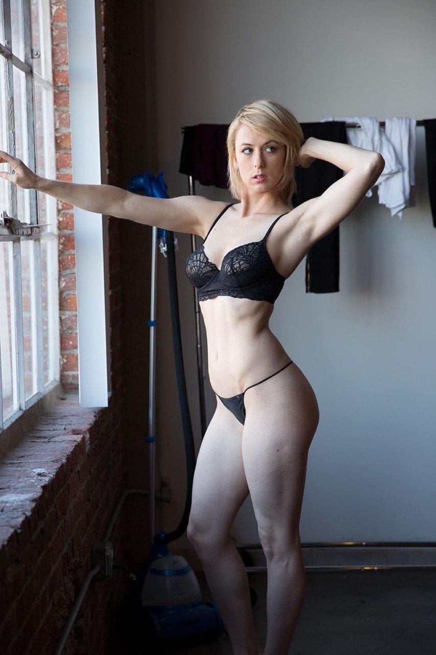 illiza shlesinger nude