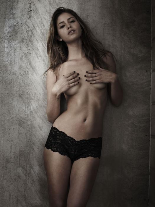 Jehane Paris Nude & Sexy (18 Photo)