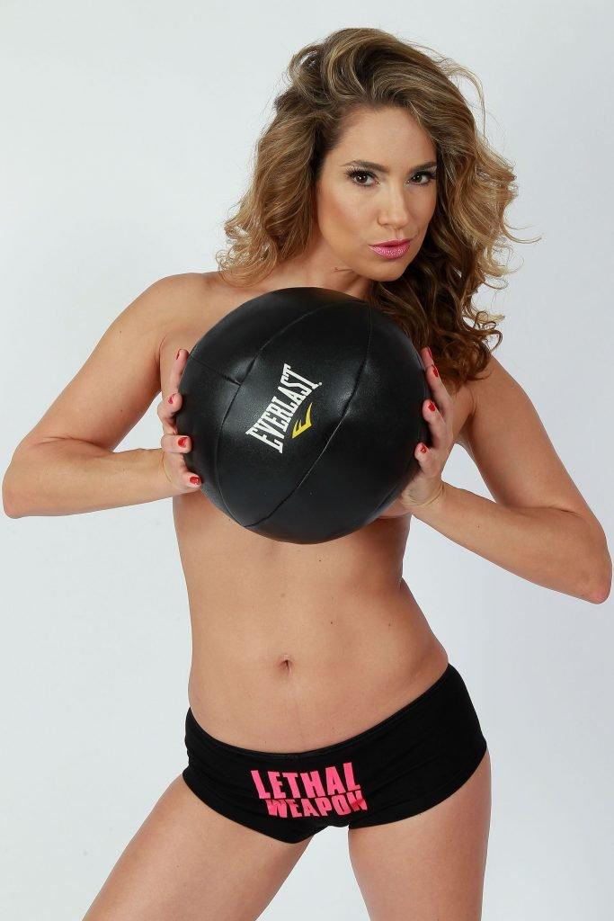 Jennifer Nicole Lee Nude & Sexy (39 Photos)