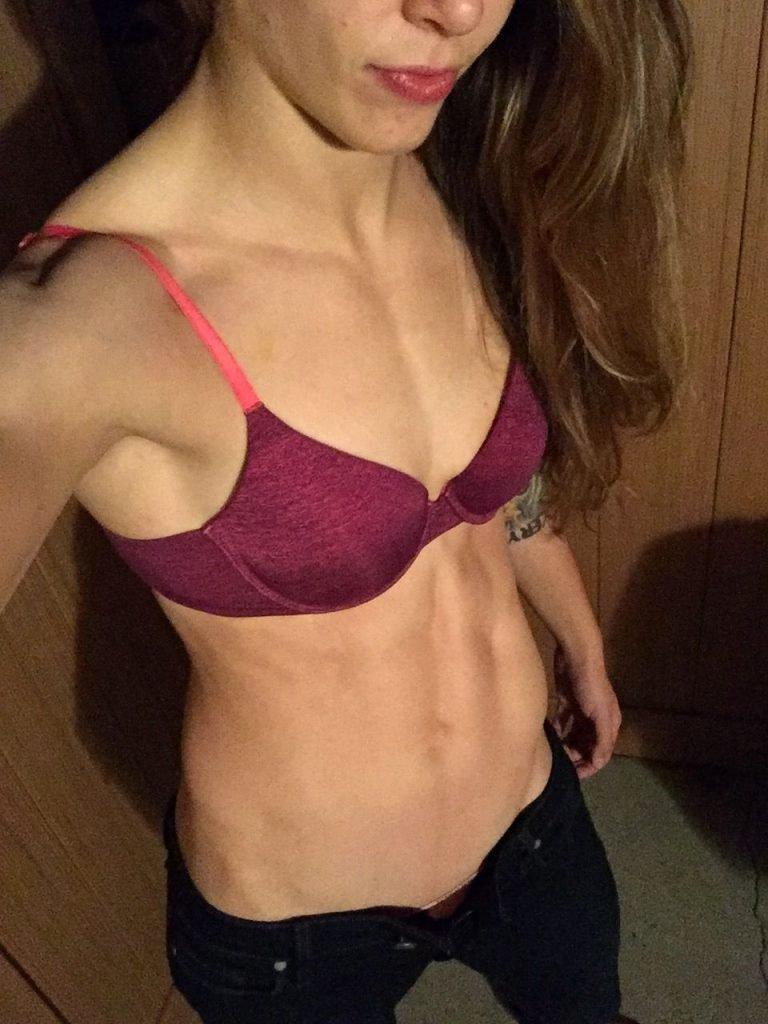 Jessamyn Duke Leaked (29 Photos)