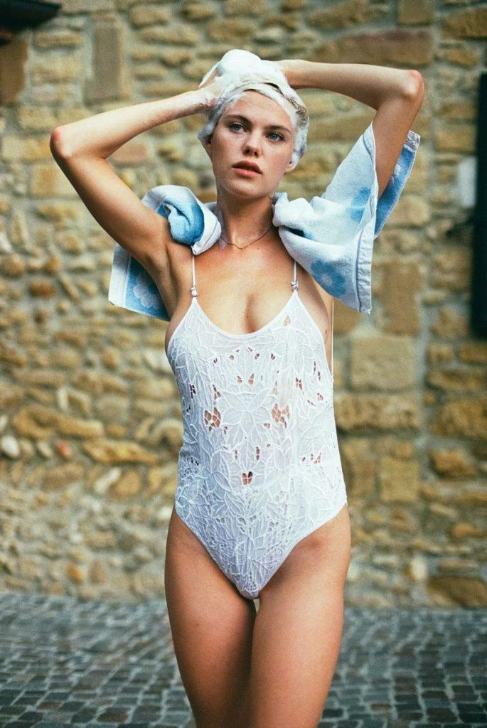 Julia Almendra Nude & Sexy (32 Photos)