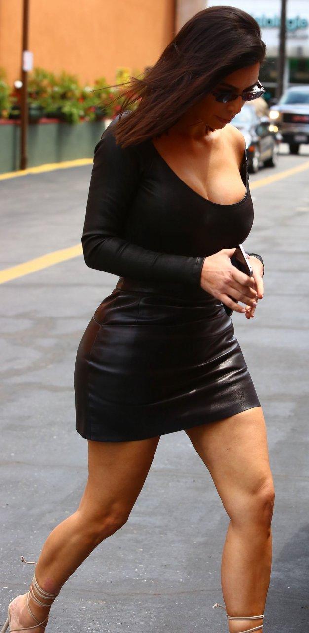 kim kardashian erotic photos