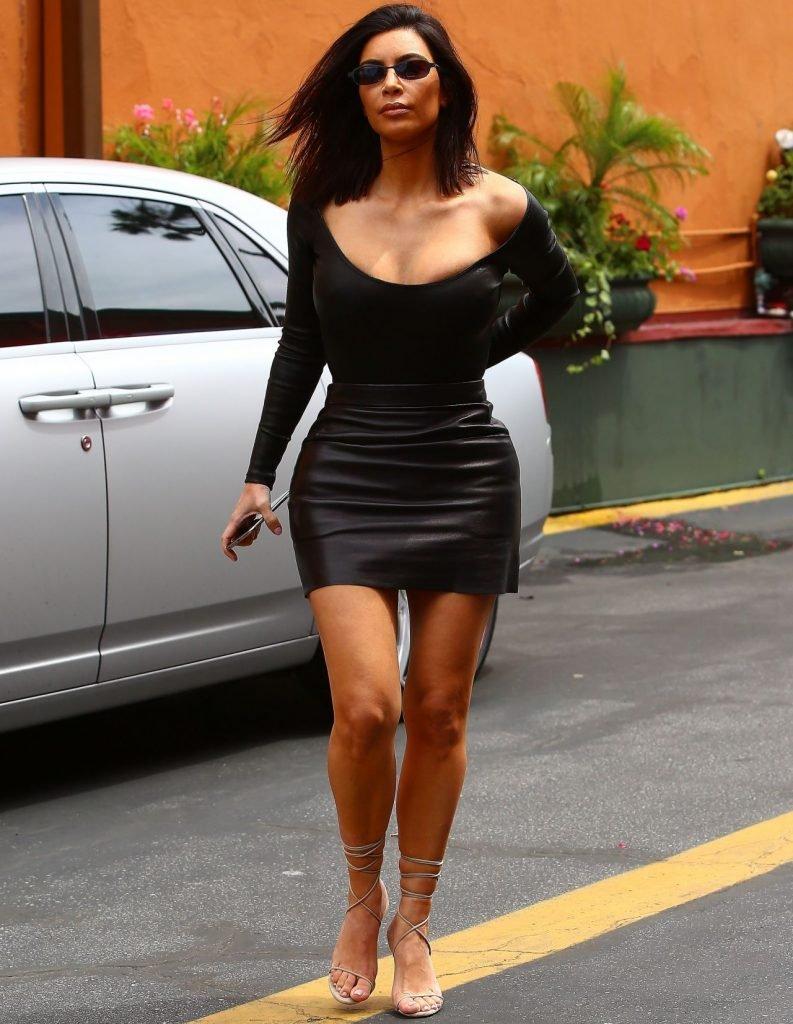 Kim Kardashian Sexy (13 Photos)