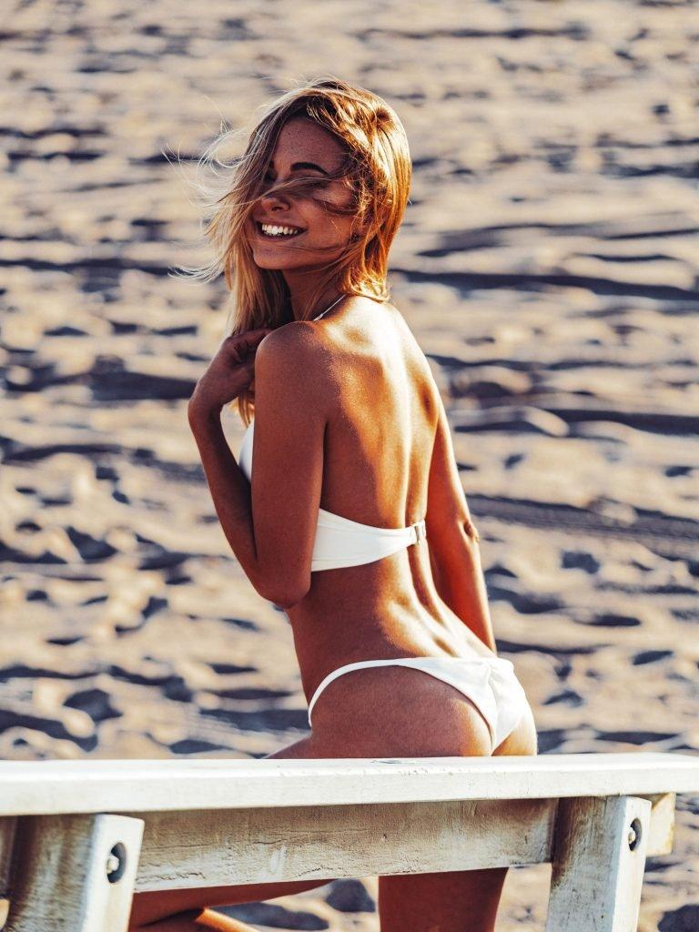 Kimberley Garner Sexy (11 Photos)