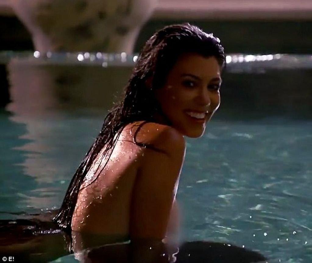 kourtney kardashian nude photos