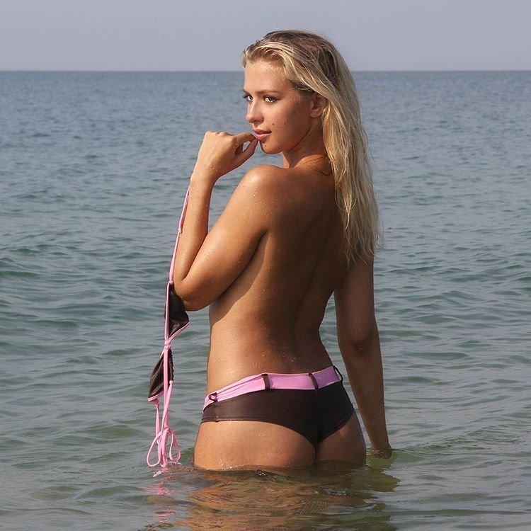 Kristina Boyko Sexy & Topless (14 Photos)