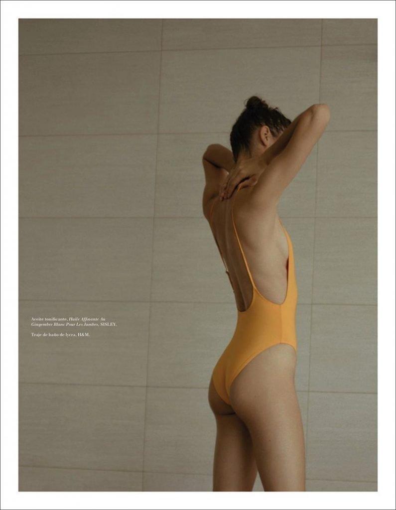 Laissa Medeiros Topless & Sexy (9 Photos)
