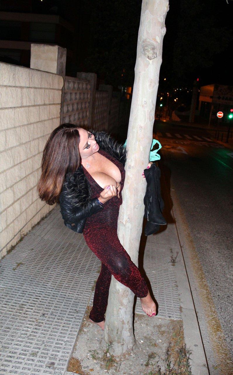 Finest Bella Thorne Nude Pole Dance Images