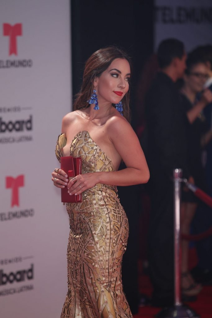 Mariana Atencio Nip Slip (9 Photos)
