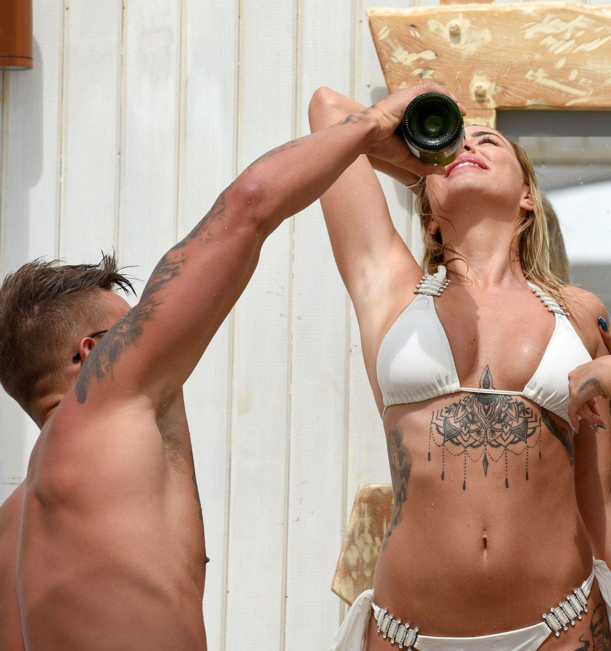 Celebrity Olivia Buckland Naked Pics