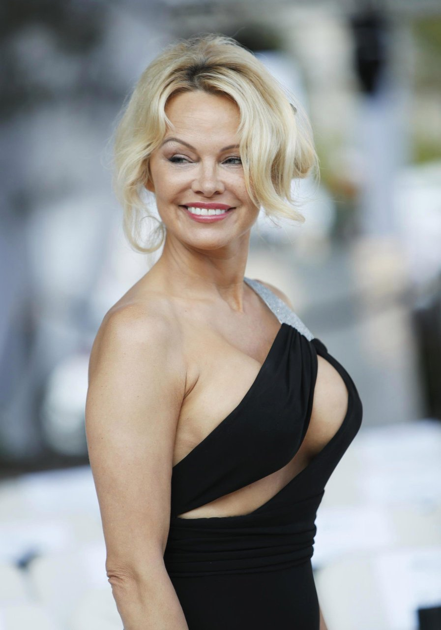Pamela Anderson Totally Nude