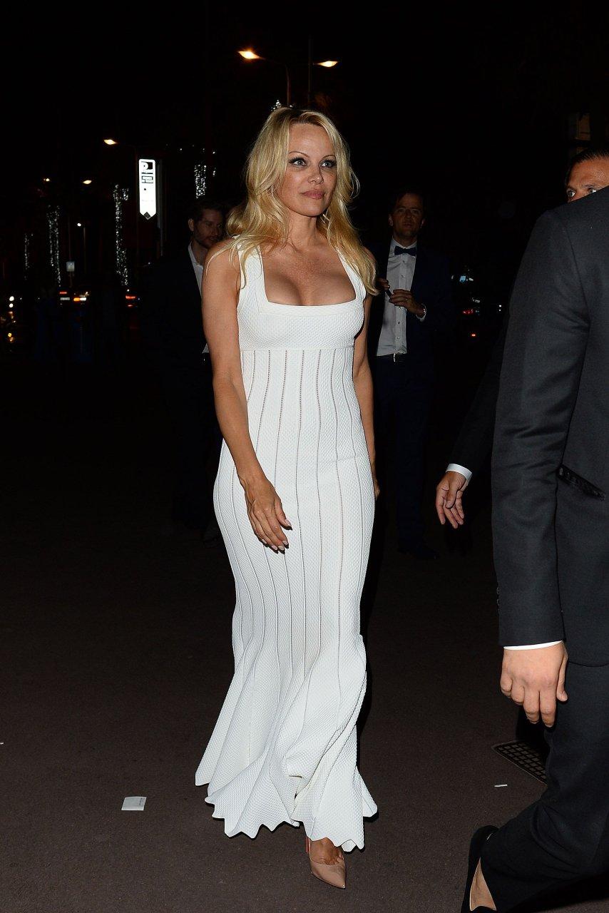 Free PornPics Celebmatrix Pamela Anderson Omageil