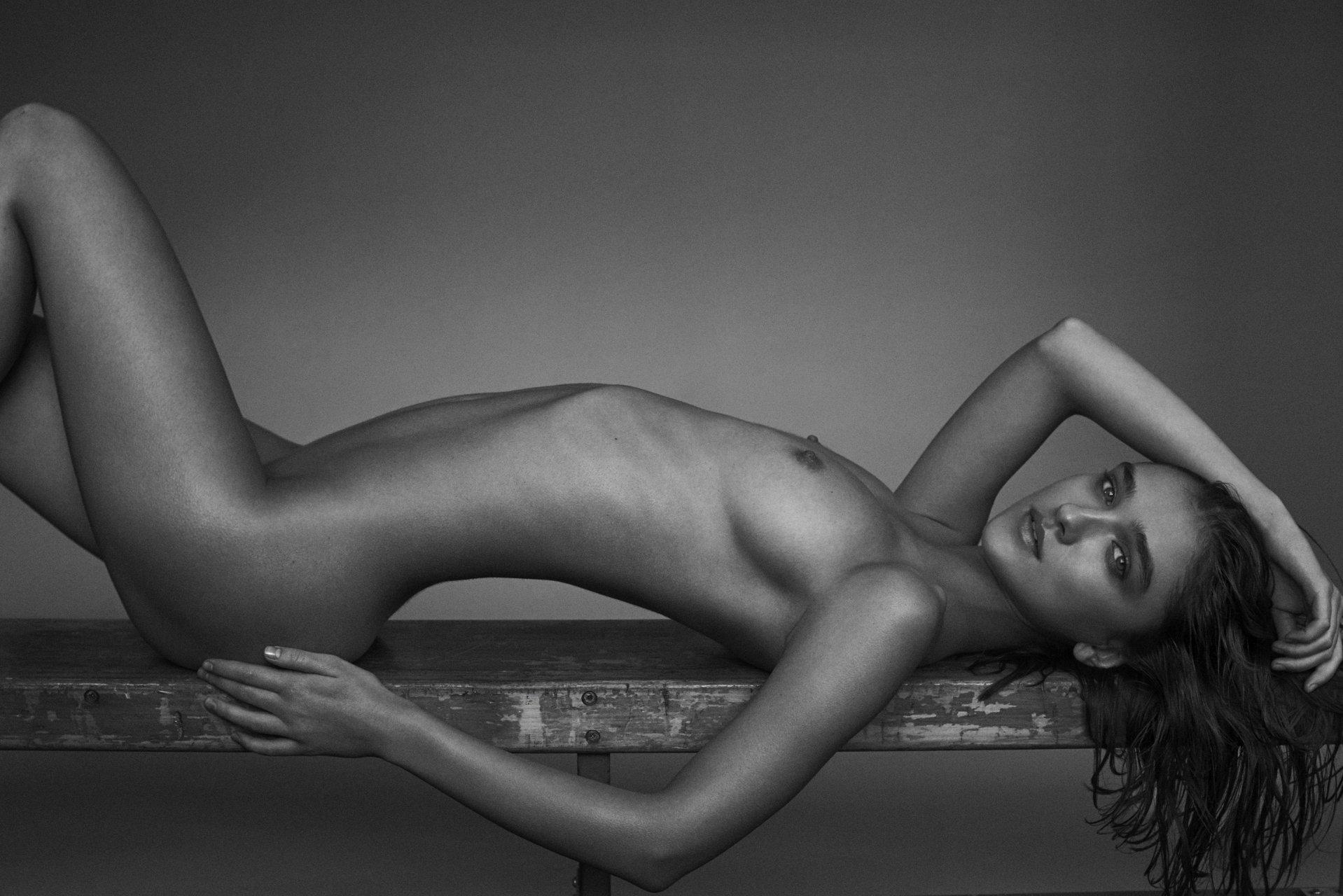Nackt Tiffany Winteler  Tiffany Wintelerセックス画像、ヌード画像、セックス無料