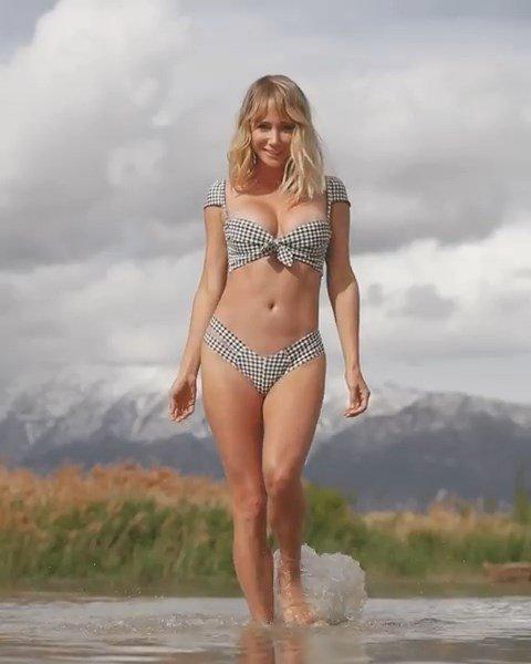 Sara Underwood Sexy (2 Pics & 2 Videos)