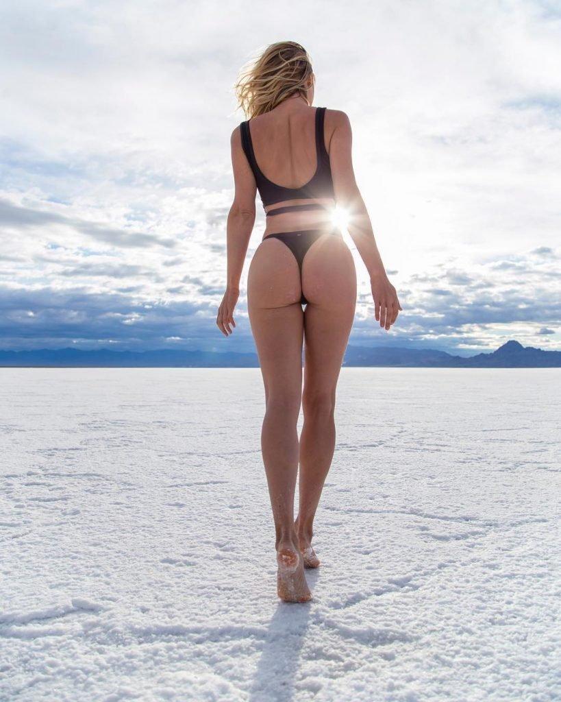 Sara Underwood Sexy (4 Hot Photos)