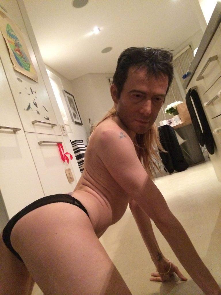 Sienna Miller Leaked (33 Photos)