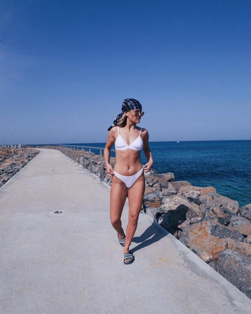 Amanda Winberg Sexy (12 Photos + GIF)