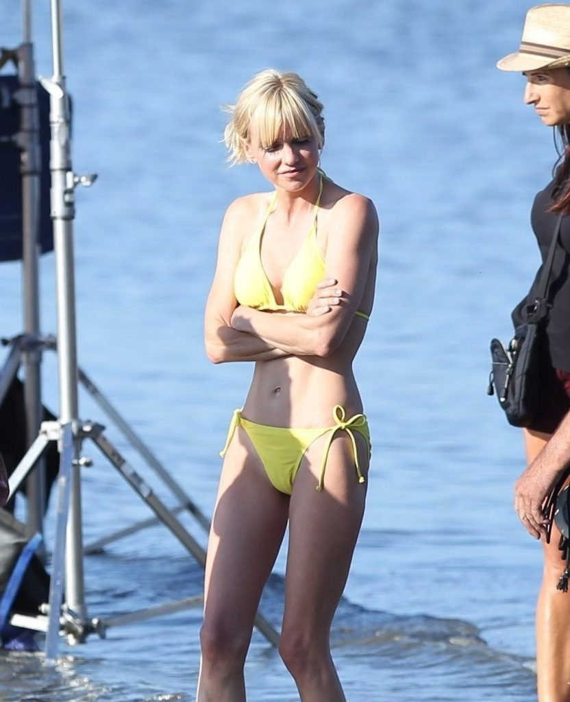 sexy pictures anna faris