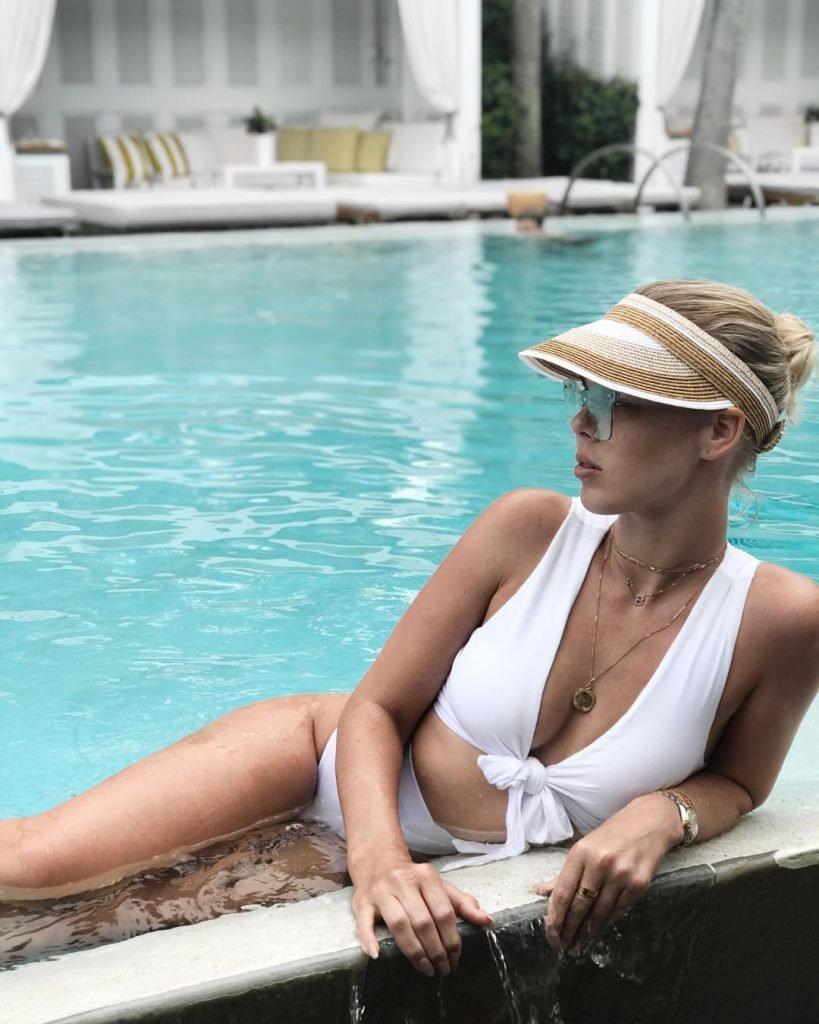 Bianca Elouise Sexy (26 Photos + Video)