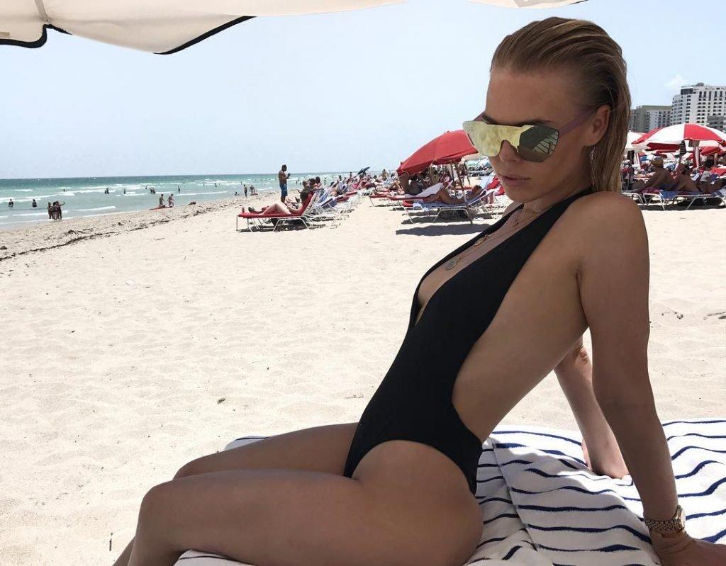 Bianca Elouise Sexy (29 Photos)