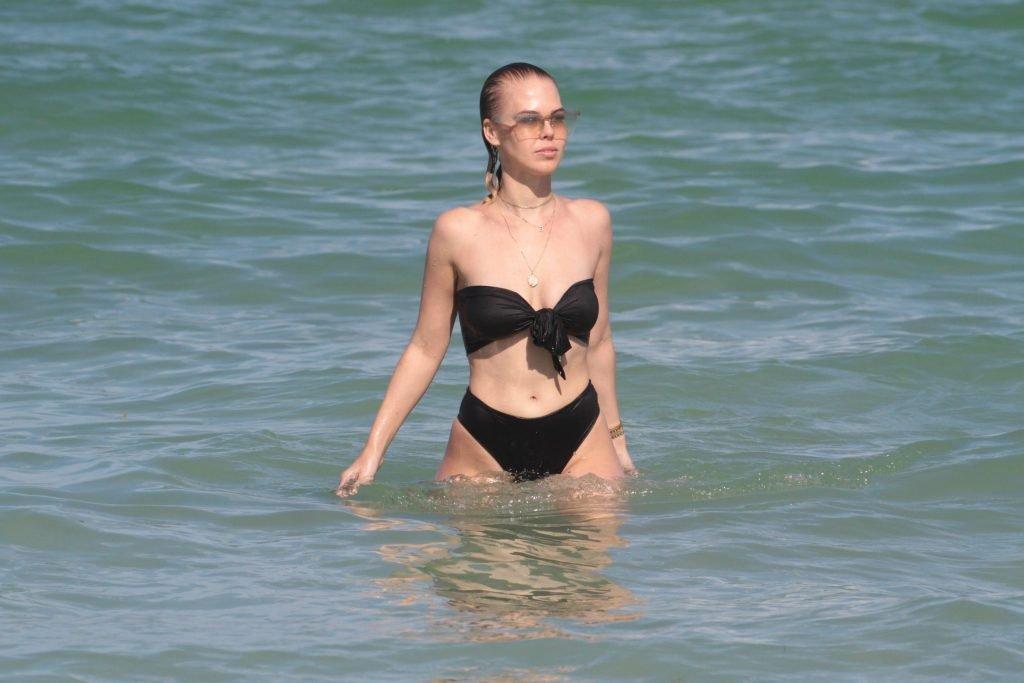 Bianca Elouise, J Lynne Sexy (108 Photos)