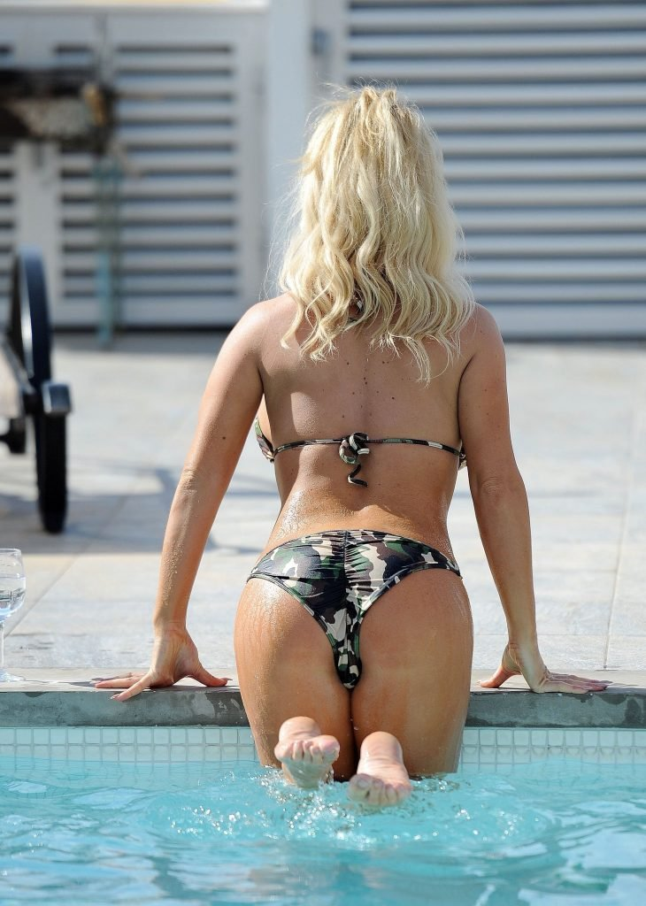 Bianca Gascoigne Sexy (19 Photos)
