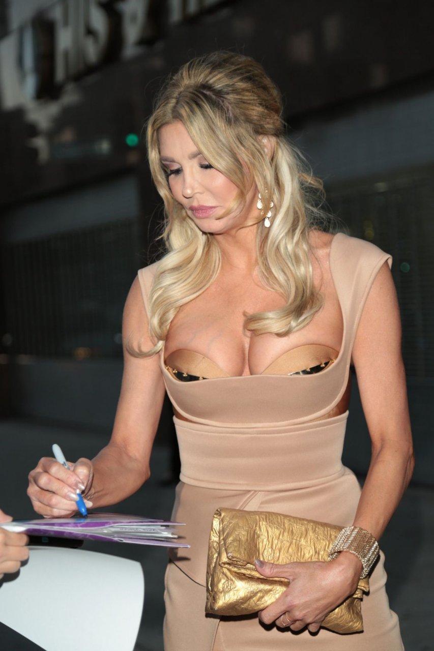 Anko boobs