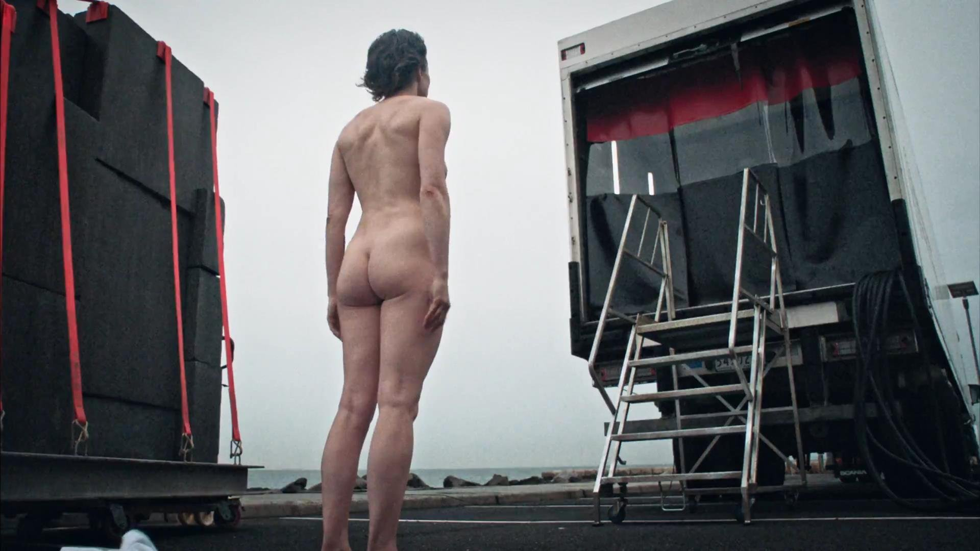 nude carrie coon