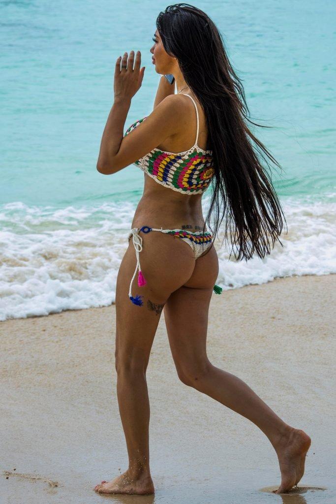Chloe Khan Underboob (10 Photos)