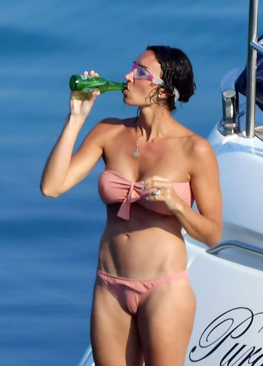 Christine Lampard Shows Off Figure In Bikini With Frank