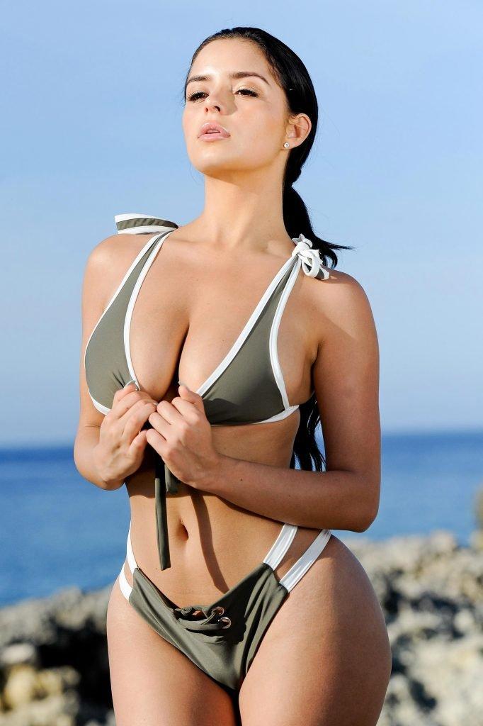Demi Rose Mawby Sexy (11 Photos)