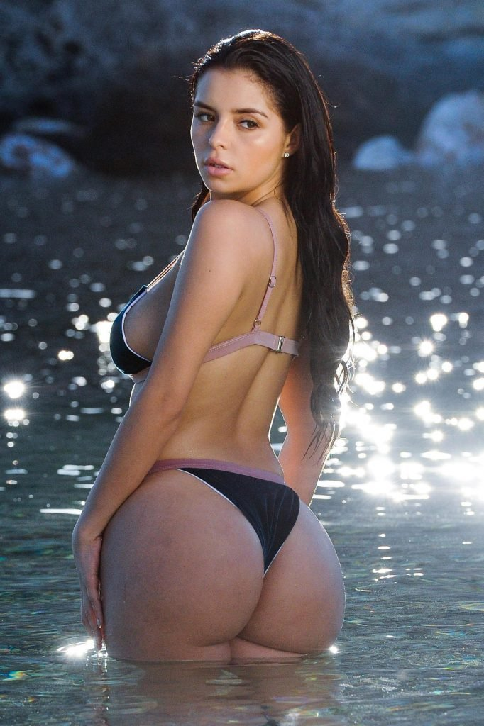 Demi Rose Mawby Sexy (14 Photos)