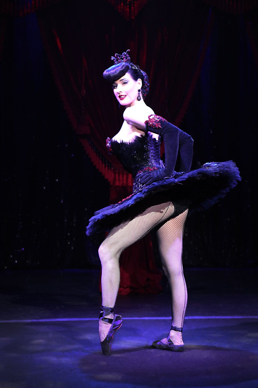 Dita von teese topless striptease hd 2