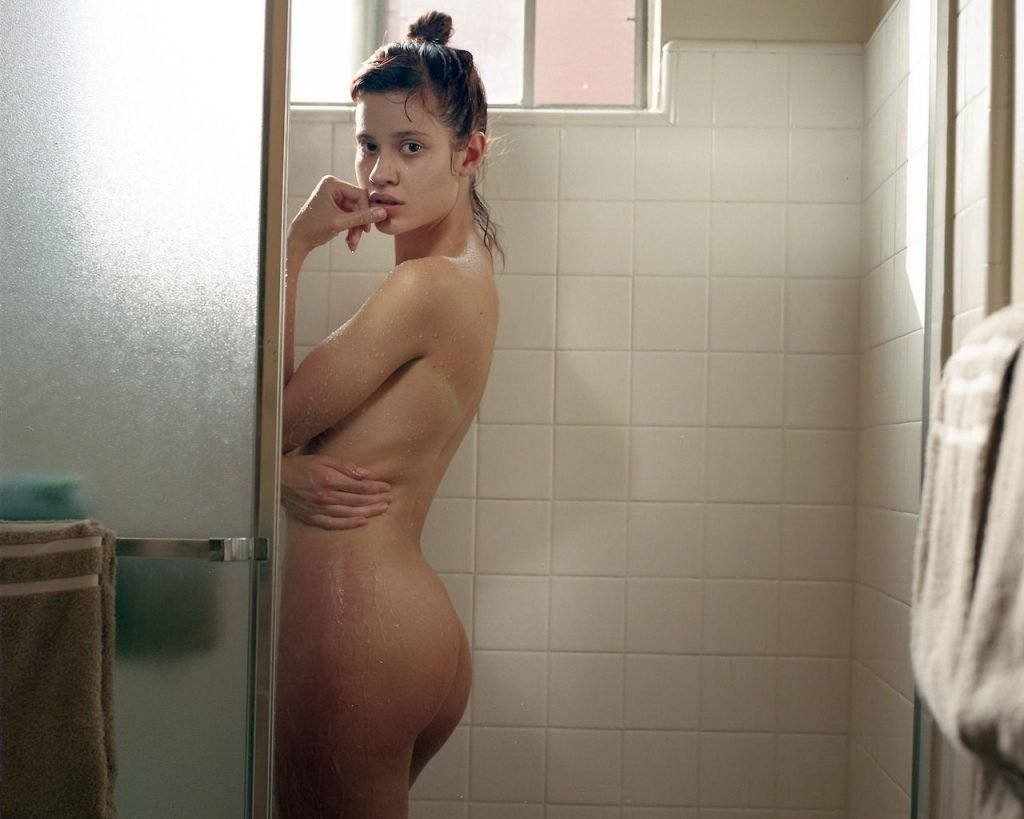 Ella Weisskamp Naked (3 Photos)