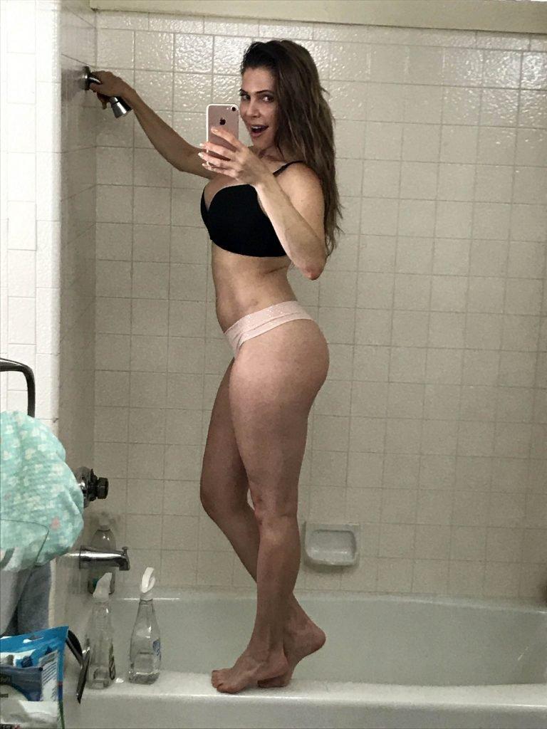 Erika Jordan Sexy & Topless (11 Photos)
