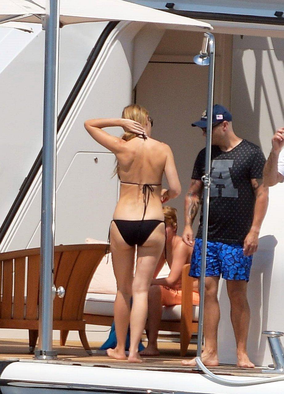 Gwenth paltrow bikini body