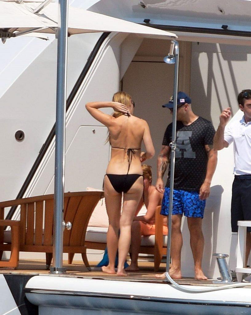 Gwyneth Paltrow Sexy (32 Photos)