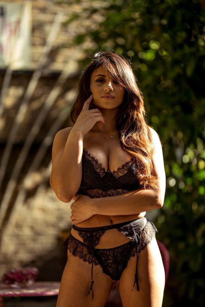 Kayleigh Morris Sexy & Topless (33 Photos)