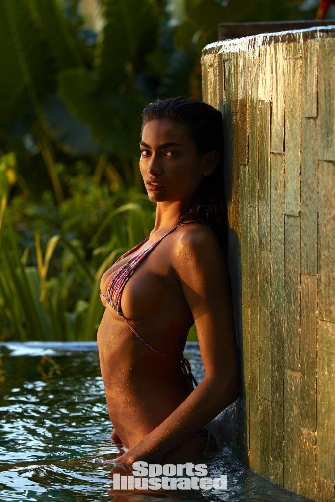 Kelly Gale Sexy (7 Photos)