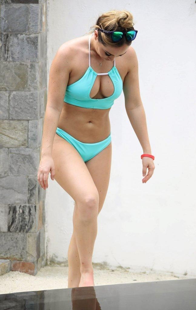 Lauryn Goodman Sexy (31 Photos)